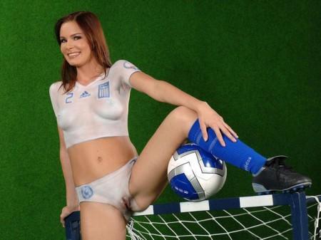 эротический бодиарт в футбольном стиле